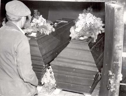 Caskets of ohlendorf and braune after both were executed - Landsberg mobel ...