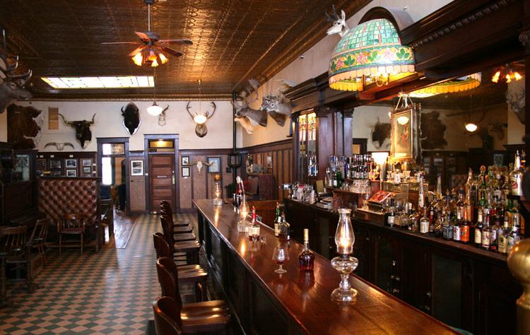 HO Saloon