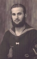 U-boat sailor fresh from a patrol with his well-trimmed beard!